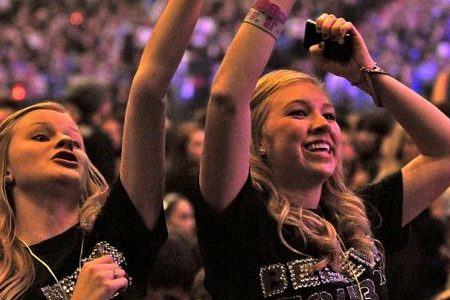 Bieber Fever - Why teens obsess over celebrities